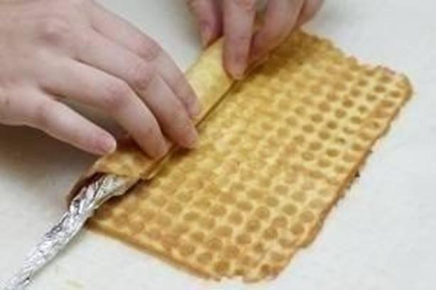 Как сделать вафли с помощью вафельницы